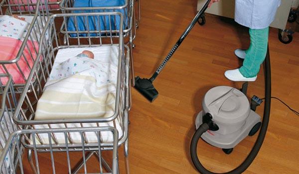 Mersa Maquinaria y Útiles de Limpieza -Hospitales y Residencias - Aspirador Comac