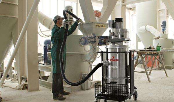 Mersa Maquinaria y Útiles de Limpieza - Industria - Aspirador Comac